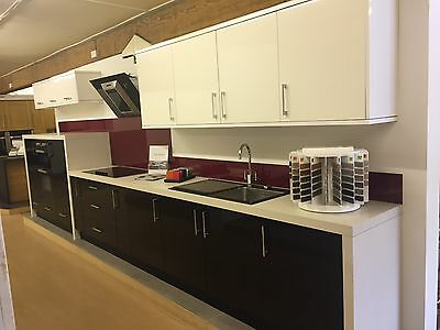 Ex Display FABULOUS CONTEMPORARY BLACK AND WHITE KITCHEN WITH APPLIANCES