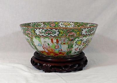 Large 19Thc Beautifully Decorated Hand Painted Chinese Rose Medallion Punch Bowl