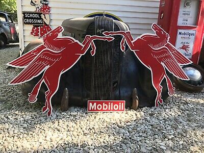 Antique Vintage Old Style Mobil Pegasus Left And Right Sign!