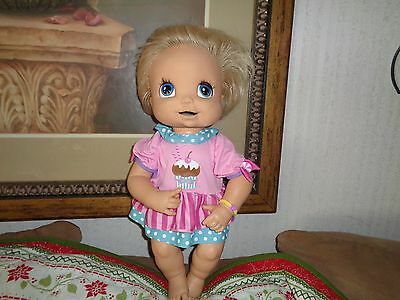 2006 Hasbro Baby Alive Interactive Doll Talking Soft Face Moves