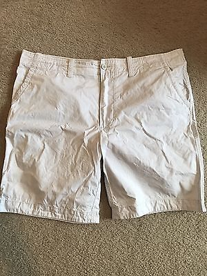 Men's White Casual flat front Shorts Roundtree Yorke Size 42