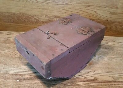 Vintage Primitive Wood & Wire Mesh Box Bait Fish Box Cage Trap Folk Art Display