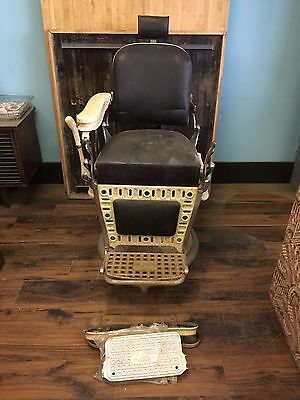 Emil Paidar Barber Chair