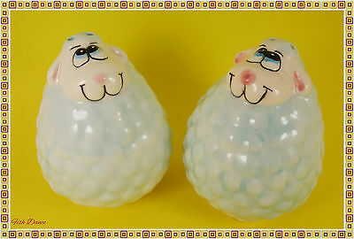 Really Cute Ceramic Sheep Design Novelty Salt & Pepper Pot / Shakers / Cruet Set