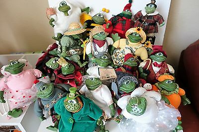 Lot of 22 Russ Country Folk Frogs - All in Good Condition - Some with Tags