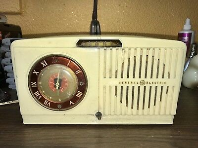 GE F 63 Radio in addition 350713781336 also Retro Clock Radio Vintage Clock Radio Ge also General Electric Radio 1970s as well Item pgr Santa Buddies Plush Rosebud Dog Plush Golden Retriever Girl Disney  name 34994085 auction id auction details. on old wooden ge radios