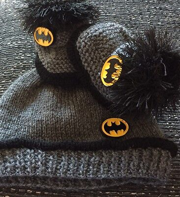 Brand New Unisex baby booties & Hat 3-6 Months   Batman Hand Knitted By Annie