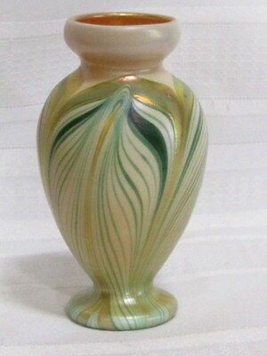 Kew Blas Art Glass Cabinet Vase, Green Pulled Feather Decoration, Very Nice~~