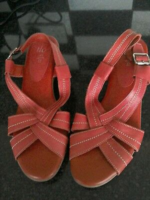 """Red leather soft and comfortable size 5 1940s style sandals """"new"""""""