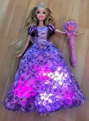 DISNEY SINGING RAPUNZEL DOLL with LIGHT-UP DRESS * Tangled movie toys dolls