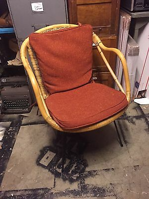 Mid Century Modern Wicker Rattan Chair lounge Metal Removable Base Vintage