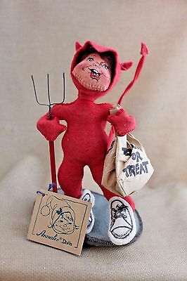 1992 Annalee Trick or Treat Devil Halloween Costume Posable Doll