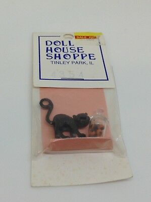 N44 Dollhouse Miniature Cat And Container In 1:12 Scale Doll House Halloween