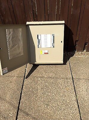 Merlin gerin  6 way 3phase & n with 3 phase 125 amp disconnector