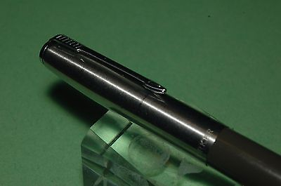 Vintage Parker Pen: 21 Aerometric Gray  Fountain Pen In Excellent Condition