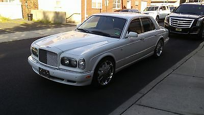2000 Bentley Arnage  Bentley Arnage, PRICE to sell NOW!!  22.207 MILES ONLY!!! + factory CHROME WHEEL