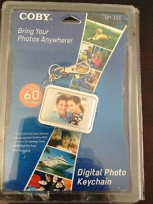 """NWT Coby DP-151 1.5"""" LCD Digital Picture Keychain Holds 60 Photos New!"""