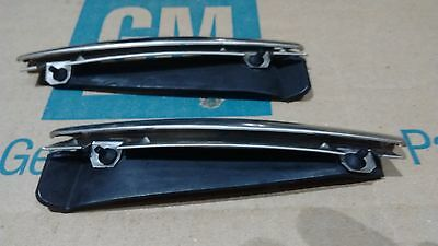 rear top upper fender trim moldings & rubber dust seal 68-72 Chevy CHEVELLE ss
