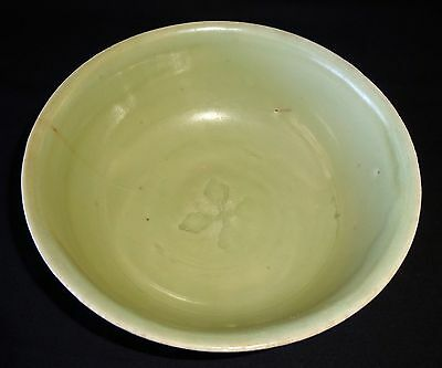 11C Chinese Song Dynasty Longquan Center Floral Motif Celadon Glaze Bowl (Hay)
