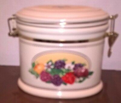 Knotts-Berry-Farm-Oval-Ceramic-Cookie-Storage-Canister-Berry-Design-Hinged-Lid
