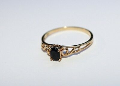 Ladies 9ct Solid Gold Blue Sapphire Ring Size 18mm