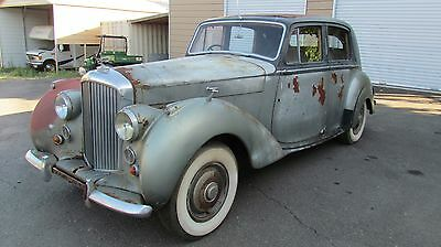 1951 Bentley MKVI  1951 Bentley MK VI Coach Built S.P.Broughton & Co. Only 400 Made NO RESERVE!!!!!