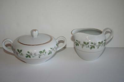 Fine China of Japan Garland Pattern CREAMER and SUGAR BOWL with Lid 8672 Floral