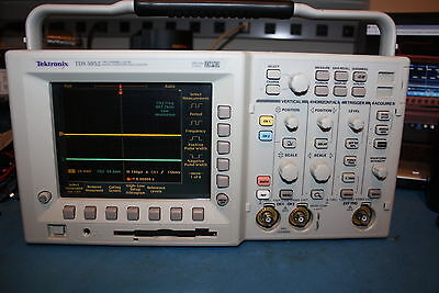 Tektronix TDS3052 500 MHz 2 Channel Digital Phosphor Oscilloscope