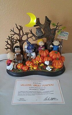 2004 Danbury Mint Peanuts Welcome Great Pumpkin Lighted Sculpture