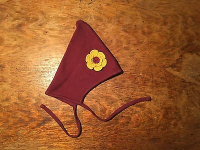 Hanna Andersson dark red knit elf hat with yellow flower EUC size XS