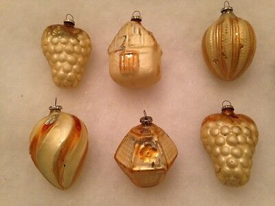 "6 GLASS FEATHER TREE ORNAMENTS 2 1/2"" Gold & Cream Grape House Swirl Top in Box"