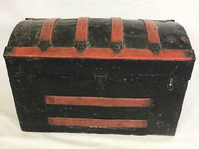 Dome Top Steamer Trunk Lot 441