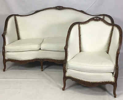 Victorian Style Couch & Chair Set Lot 585