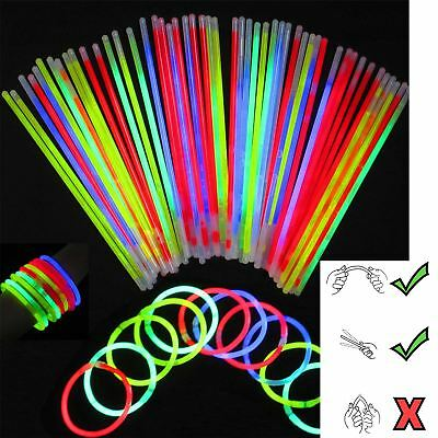 200 Glow Sticks in Mixed Colours & 200 Bracelets Connectors