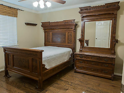Pretty Antique Walnut Victorian Matching 2 Piece Bedroom Set / BED & DRESSER
