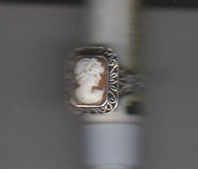 Cameo Ring Women's Size 8 Shell With Sterling Silver (925) Setting