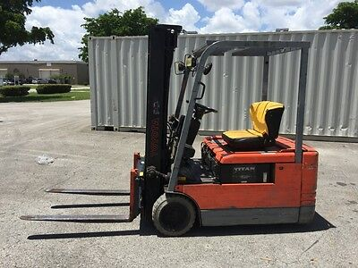 2001 Toyota 3 Wheeler 3000 lbs Electric 3 Stage Sideshift Forklift 85% Battery