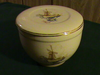 VERY RARE Universal Potteries Windmill REFRIGERATOR CANISTER W/ LID! Oven Proof!