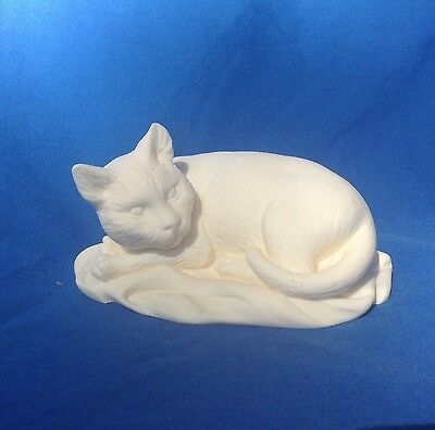 """IVORY Colored RESTING CAT made in ITALY 4.25"""" L"""