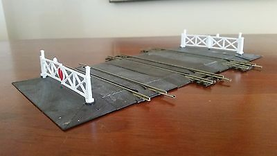 Peco Setrack OO Scale Gauge Level Crossing 3 Three Track Gates Ramps suit Hornby