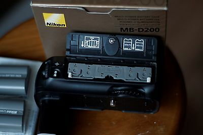 Nikon Multi Power Battery Pack MB-D200 for Nikon D200