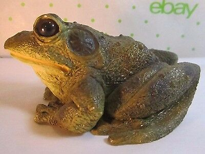 """Stone Critters Realistic  Frog 4x3.25""""  Green Toad Glass Eyes"""