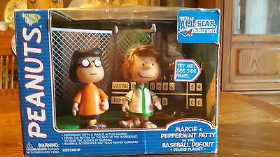 Rare 2003 Playing Mantis Peanuts All Star Charlie Brown Marcie Peppermint Patty