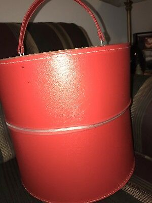 Vtg Travins Red  Hard Round Luggage  Wig Box Case Round Suitcase with handle
