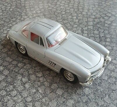 burago 3015 Scala 1:18  Mercedes 300SL Made in Italy