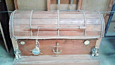 SEAMAN'S trunk vintage HEAVY WOOD chest antique ? HAS SAILOR Figures and compass