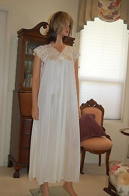 Vintage Miss Elaine Silk Essence Type  Nylon Fabic Long Nightgown, 3X Large