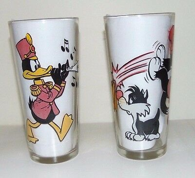 1976 Daffy Duck Marching Band & Hippity Hop Glasses