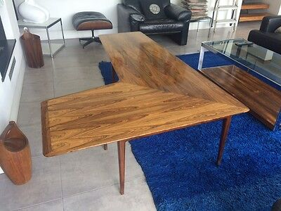 Exceptional Mid-Century Vintage Boomerang Rosewood Coffee Table