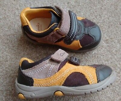 New Clarks Ru Rocks first shoes kids uk 5 G infant brown real leather Velcro